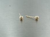 14 Karat Yellow Gold stud Earrings (2mm)