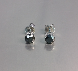 14 Karat White Gold Black Diamond Stud Earrings (1.10ct)
