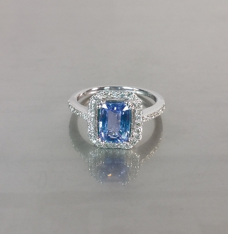 14 Karat White Gold Cornflower Blue Ceylon Sapphire Diamond Ring