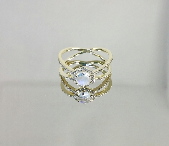 14 Karat Yellow Gold Rainbow Moonstone Diamond Ring (0.18ct)