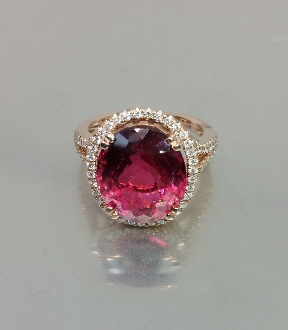 14 Karat Rose Gold Pink Tourmaline(8.47ct) Diamond Ring (0.41ct)