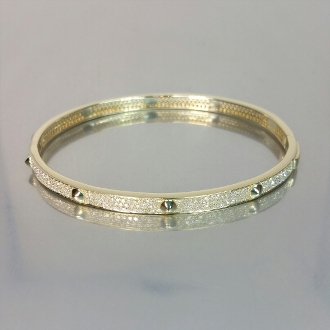 14 Karat Yellow Gold Diamond Bangle (1.26ct)