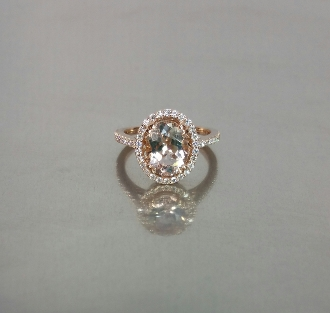 14 Karat Rose Gold Morganite Diamond Ring (0.83ct)