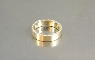 14 Karat Yellow Gold Double Sided Diamond Band (0.85ct)