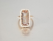 14 Karat Rose Gold Morganite Diamond Ring (5.30/0.40ct)