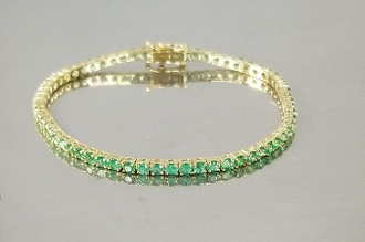 14 Karat Yellow Gold Colombian Emerald Tennis Bracelet (4.20ct)