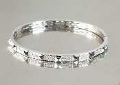14 Karat White Gold Diamond Pyramid Bangle (0.75ct)