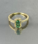 14 Karat Yellow Gold Green Tourmaline Diamond Ring (0.50/0.20ct)