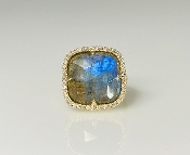 14 Karat Yellow Gold Labradorite Diamond Ring (0.50ct)