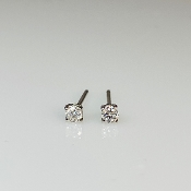 14K White Gold White Diamond Stud Earrings 0.12ct