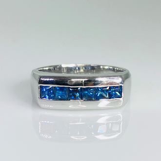 14K White Gold Princess Cut Blue Sapphire Ring 0.90ct