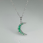 14K White Gold Emerald Crescent Moon Necklace 0.15ct